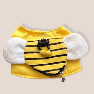 Dogs bumblebee harness with atached pouch